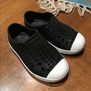 Native shoes toddler size 7 kids